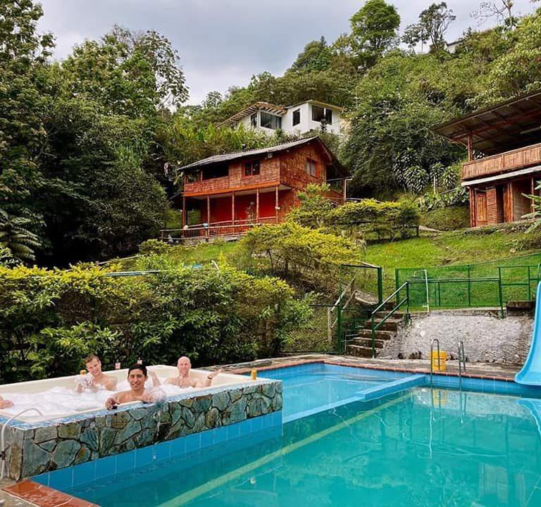 2_piscina_ecohotel
